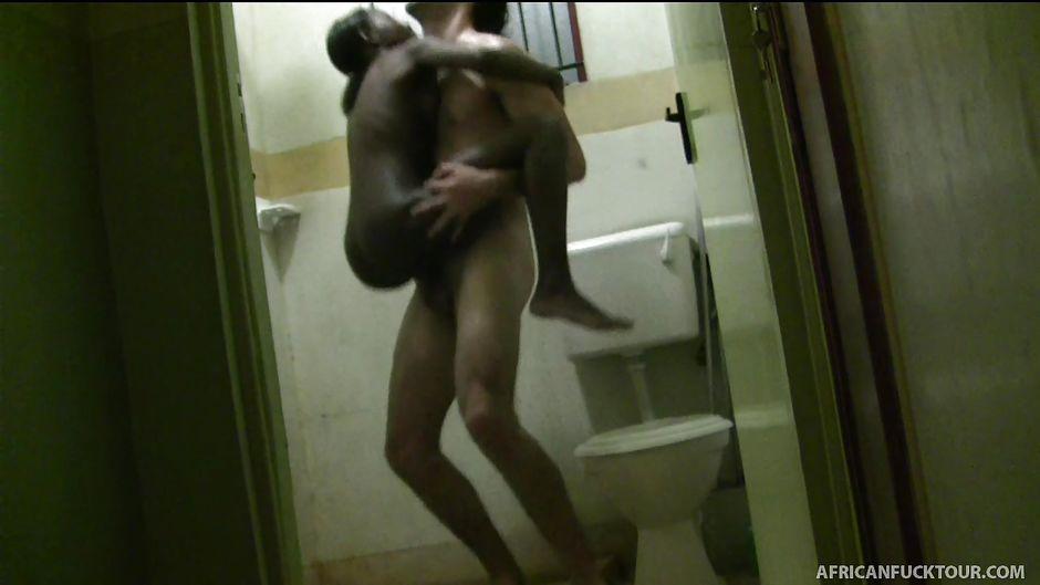 African slut fucks