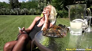 blonde mommy spreads them wide