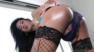 hot ladyboy nan looks stunning @ ts factor #02