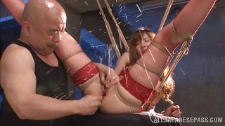 japanese slut squirts on her master