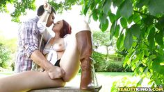 carmen capri's cunt fingered at outdoor