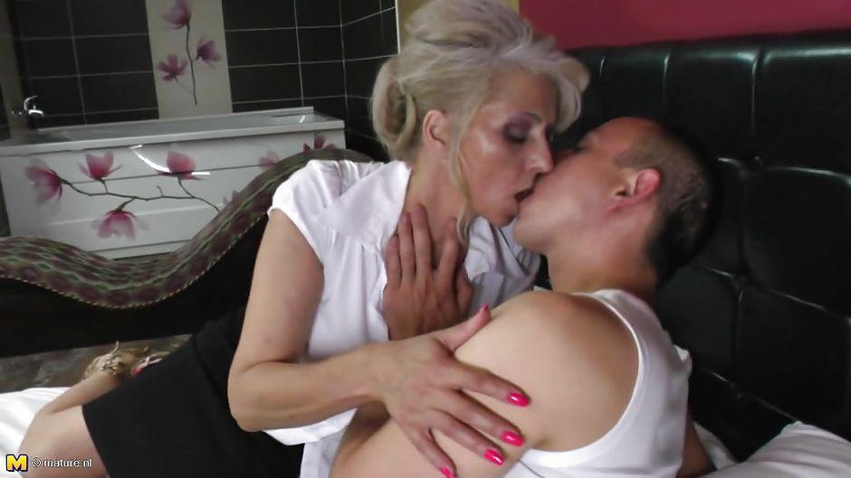 Slut wife gets creampied by bbc 22eln - 5 10