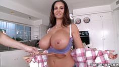 ava exposes her intimate body parts