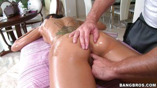 pleasing massage gets dirty