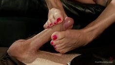 foot worship kinky scenario