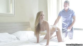 blonde courtesan spreads her thighs wide