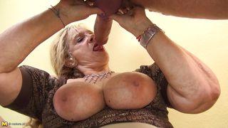 mature slut entertains a horny cock