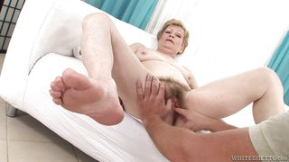 fingering grandma's hairy snatch @ i wanna cum inside your grandma #07