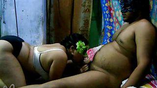 velamma bhabhi sucks hard cock