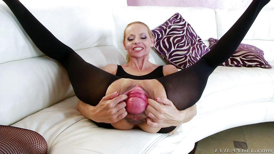 Big boob lesbian pic free