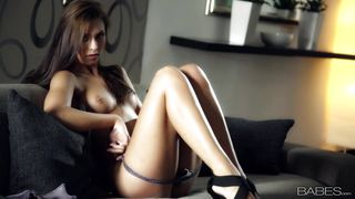 sensual beauty feel hot & naughty