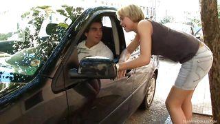 hunk picks up tranny street hooker