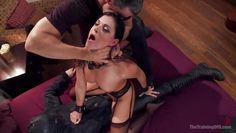 hot brunette offering sex favours