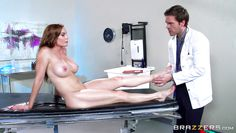 foxy diamond gets horny in hospital