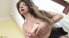 busty horny mature