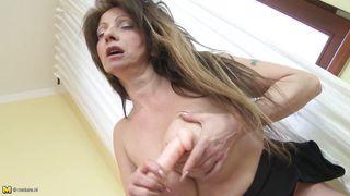busty horny mature