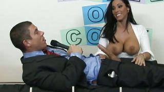 Nice Burnett Takes This Jackass's Cock PornZek.Com