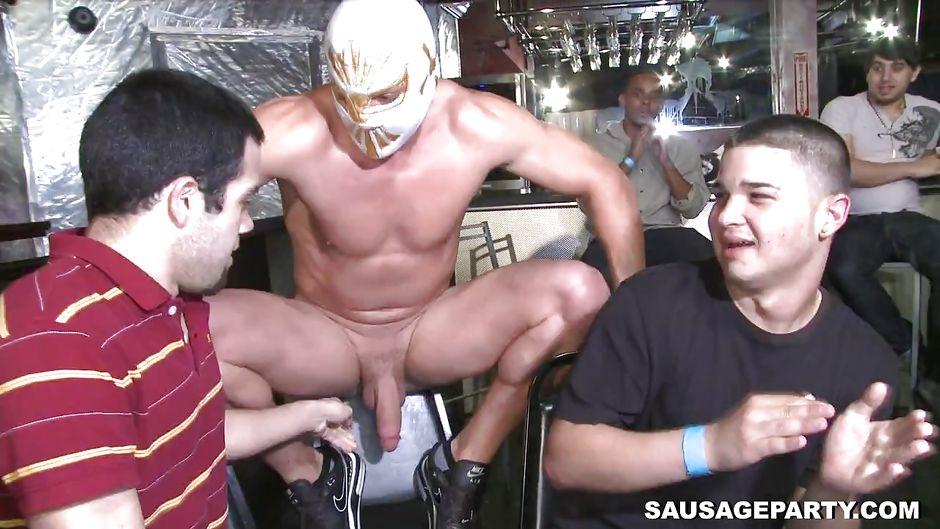 Naked guys Tranny bars illinois
