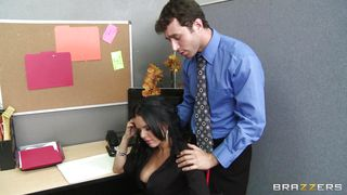 Brazzers-Diamond Kitty Being Consoled By A Guy At Work PornZek.Com