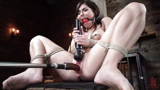 Fuck Machine Makes The Innocent Sex Slave Cum Hard