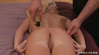 Brazzers-Hot Blonde Getting Oiled For A Massage PornZek.Com