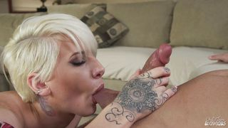 Short Haired Blonde Teen Took It To The Throat