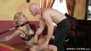 Bonnie Rotten Seduced The Bartender