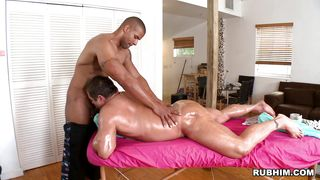 A Gay Is Geting A Massage And Then Gives A Blowjob