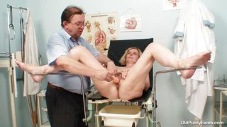 Tamara Gets Her Pussy Checked Over And Penetrated