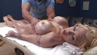 Brazzers-Hot Blonde Gets Fingered At Massage PornZek.Com