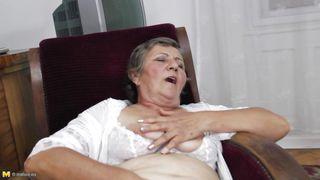 Mature Nl-Naughty Grandma Jana Is Masturbating PornZek.Com