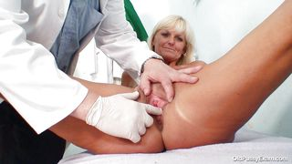 Old Pussy Exam-Blonde Mature Woman Got A Pervert For A Doctor PornZek.Com