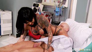Brazzers-Hot Doctor Takes Advantage Of Her Patient PornZek.Com