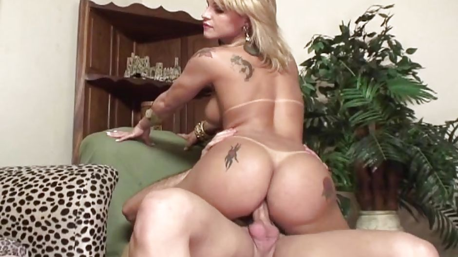 Bubble butt shemale clips, bbw naked and pasted out