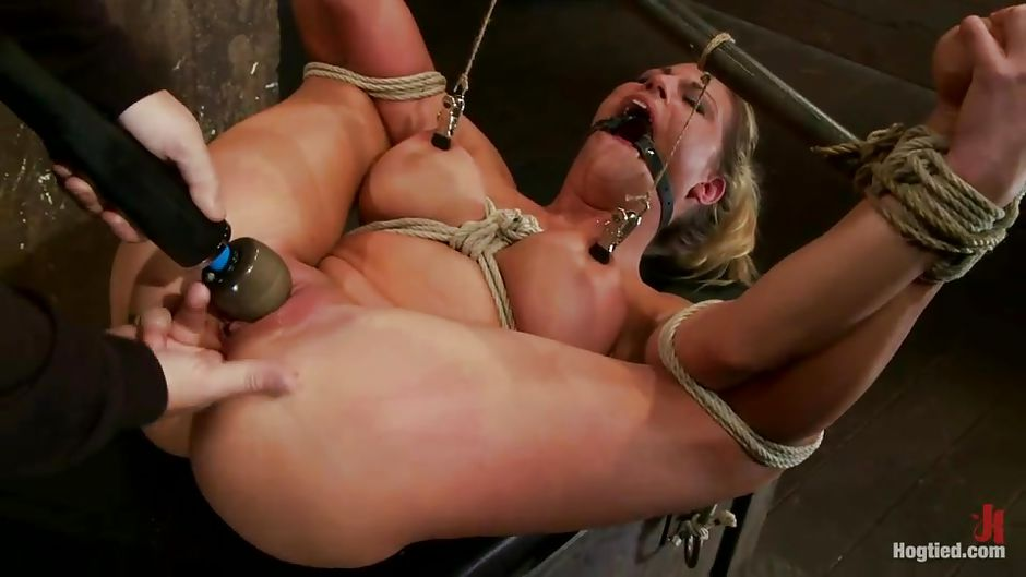 Little slut hooked up in a fastfood and fucked like a whore - 2 part 9