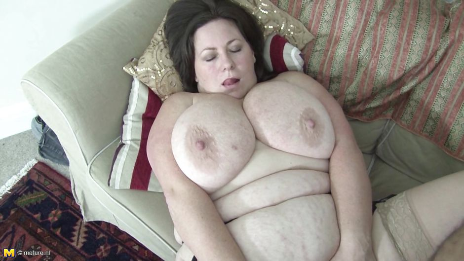 Bbw fucked on couch