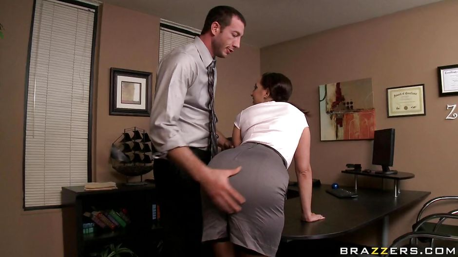 kelly divine office - Kelly Divine Gets Fucked By Her Boss