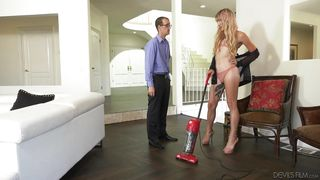 Cleanliness Is Not The Main Thing In This House  Transsexual Girlfriend Experience #05
