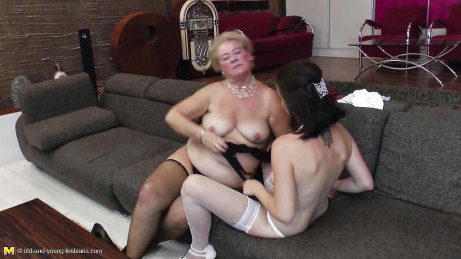 Lesbian threesome hd porn-3208