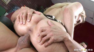 Blonde Teacher Giving Sex Demonstration PornZek.Com