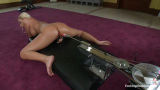 Blonde With Smoking Hot Body Pleasuring Herself With A Fucking Machine