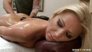 Brazzers-Wow! She Asked Masseur To Rub Her Butt. PornZek.Com