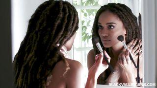 Black Valley Girls-Ebony Julie Likes White Cock PornZek.Com