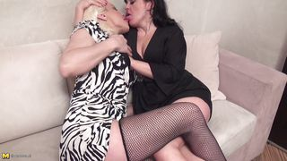 Mature Nl-Mature Lesbians Kissing And Ready For Big Action PornZek.Com