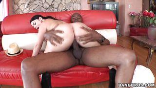 Sophie Dee Reunites With Sean Michaels And His Big Dick!