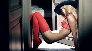 Sasha Blonde Doing Sexy Solo