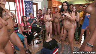 College Girls Try Out A Sybian
