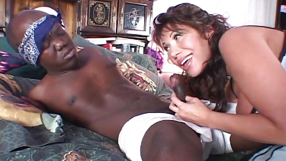 Atlanta white wife gangbang club - 1 part 6