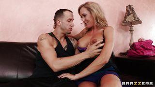 Blondie Feels Amazed Seeing That Dick