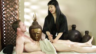 Nari Swallows White Dude's Boner  Asian Strip Mall Massage #04